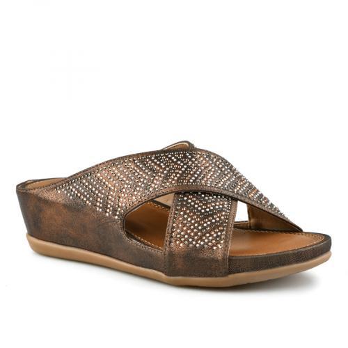 Дамски ежедневни сандали и чехли