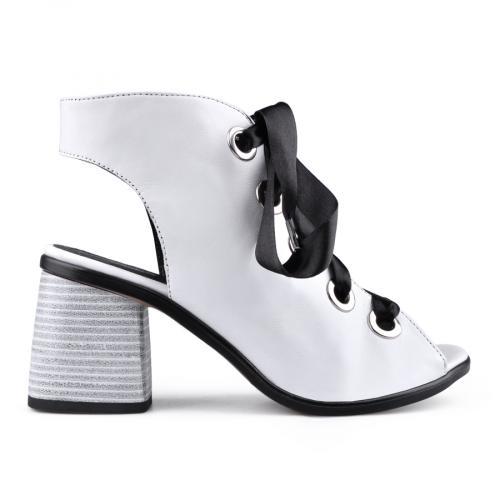 дамски ежедневни сандали бели 0134692